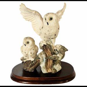 SNOWY OWLStatue Figurine Two Snowy Owls